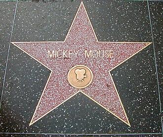 Звезда Микки Мауса на Аллее славы