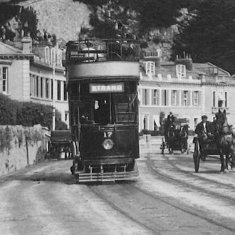 Torquay Tramways - Car 17 using the Doulter system in Torbay Road - the stud covers are the dark marks between the rails