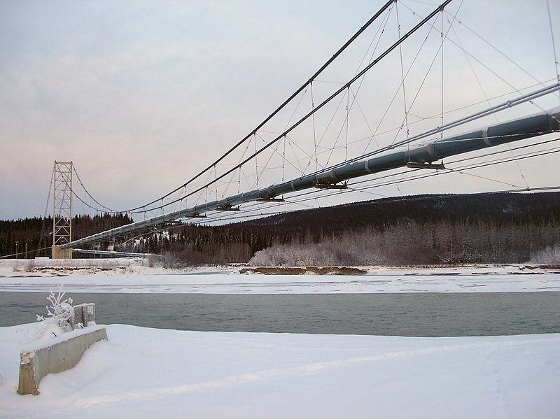 Archivo:Trans-Alaska pipeline bridge.jpg