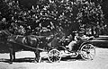 Travelling, coach, carriage, horse, spring, tableau Fortepan 25526.jpg