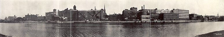 1909 panorama of Troy, New York, taken from Watervliet