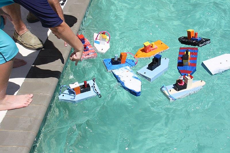 File:Tug Boat Race 2 (1) (27271228823).jpg