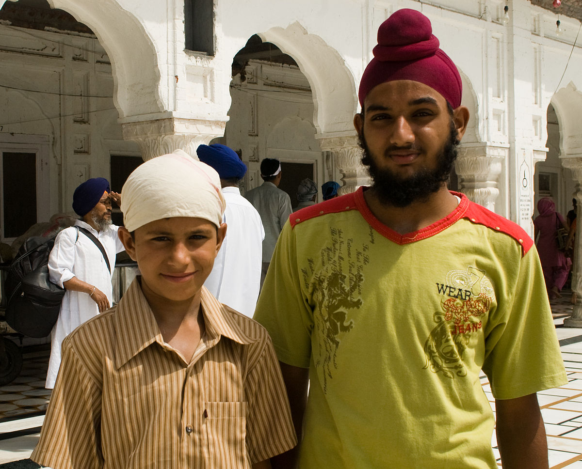 1200px-Two_Sikhs.jpg