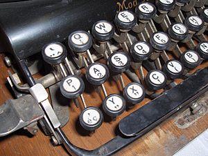 Typewriter Adler No. 7 (3).jpg