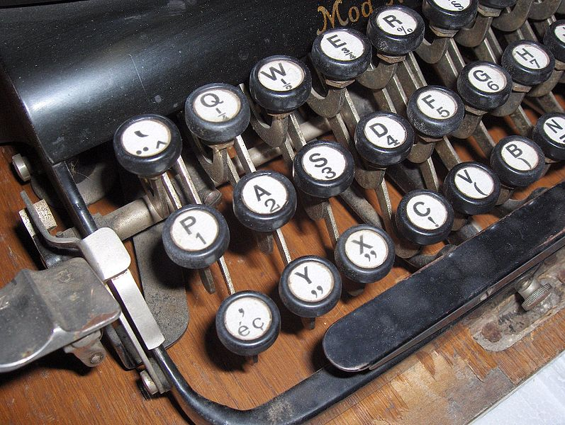 File:Typewriter Adler No. 7 (3).jpg