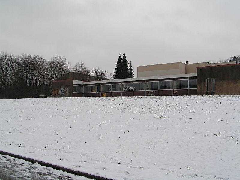 La salle B et le bâtiment Gaudot de l'UFR-SJEPG de Besançon (Doubs, France).