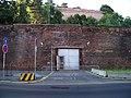 U Bruských kasáren, dveře do technologických prostor.jpg