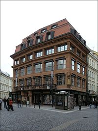 Здание «У чёрной Богоматери» (арх. Й. Гочар), шедевр пражского кубизма