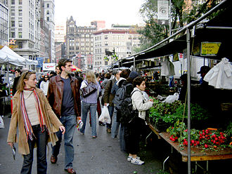 Environmental issues in New York City - The farmers' market at Union Square.