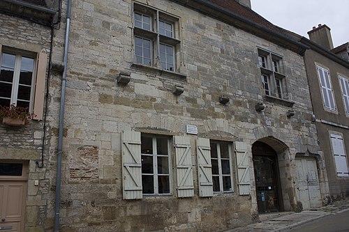 Vézelay-Maison natale de Théodore de Bèze