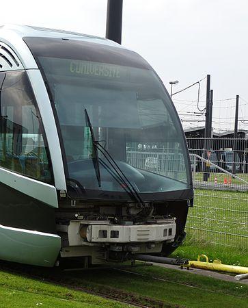 Valenciennes & Anzin - Déraillement de la rame de tramway n° 17 à la sortie du dépôt de Saint-Waast le 11 avril 2014 (115).JPG