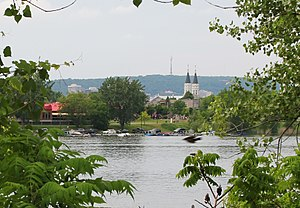 Verdun, Quebec - Verdun seen from Nun's Island