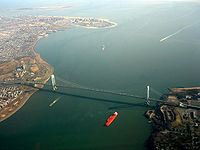 Verrazano Narrows Bridge aerial 2003.jpg