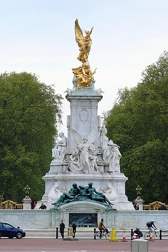 Victoria Memorial, London - Image: Victoria Memorial, The Mall, London