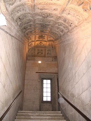 Villers-Cotterêts - Image: Villers Cotterêts Château François Ier Staircase 1