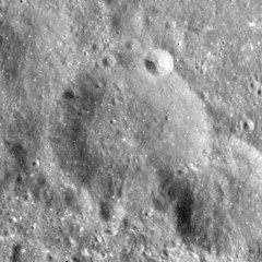Volkov crater AS17-M-1720.jpg