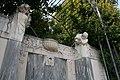 Volksgarten Kaiserin-Elisabeth-Denkmal Wien Brunnen 1a 22-09-2013.jpg