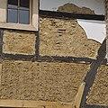 Voorgevel, detail verweerd vakwerk, tijdens restauratie - Cottessen - 20370889 - RCE.jpg