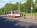 Vozovna Motol, výstup z autobusu X-9.jpg