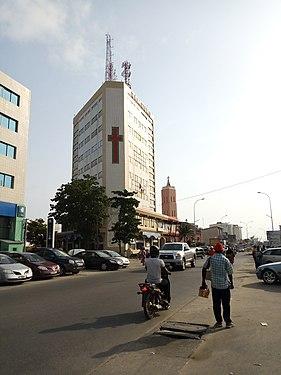 Vue de profil de la Librairie Notre Dame Ganhi Cotonou-Bénin.jpg