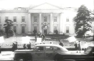 Anti-war movement - Protest at the White House by the American Peace Mobilization.