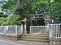 Wada-inari-jinja1 torii.jpg