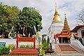 Wat Prakaewdontoa Suchadaram (29850819222).jpg