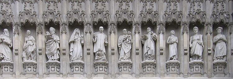 https://upload.wikimedia.org/wikipedia/commons/thumb/2/28/Westminster_Abbey_-_20th_Century_Martyrs.jpg/750px-Westminster_Abbey_-_20th_Century_Martyrs.jpg