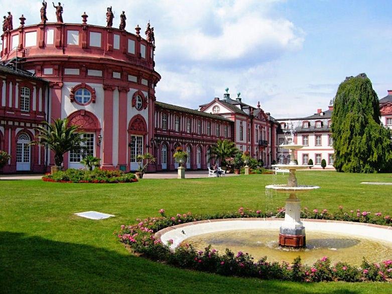 Wiesbaden-biebrich-schloss