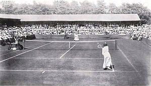 1905 Wimbledon Championships - Wimbledon 1905, Ladies final between May Sutton and Dorothea Douglass.
