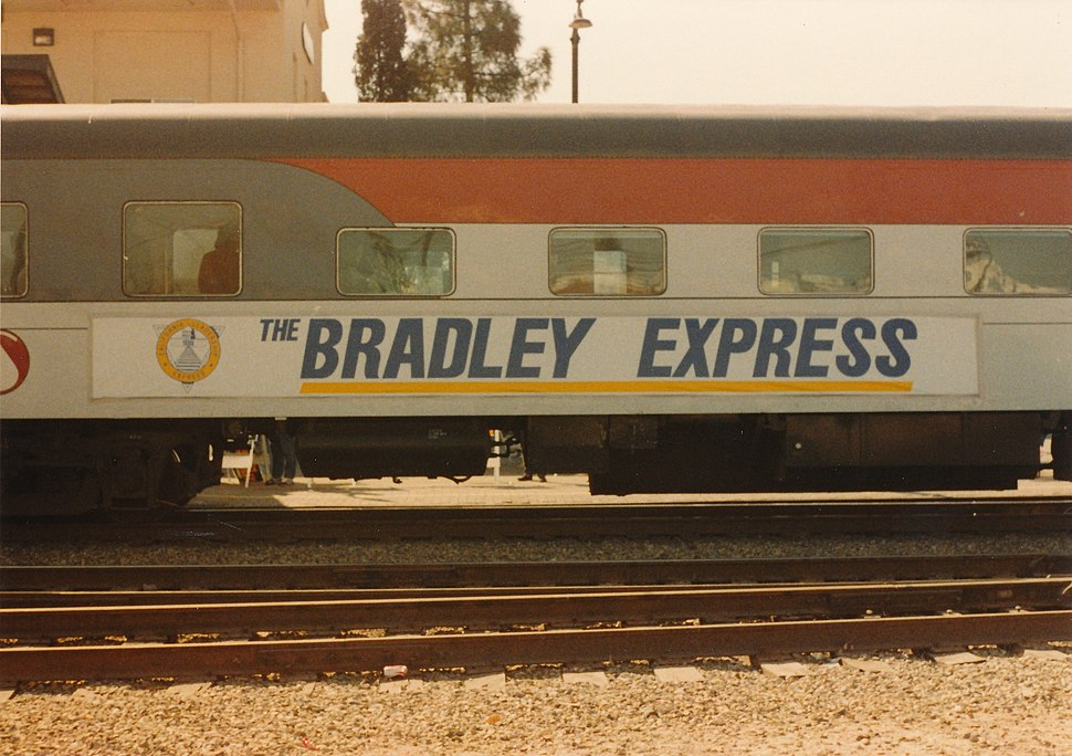 Wod-o-Pics-3 0071 - Kodalux Processing Services NOV. 89 P - Bradley for Gov campaign whistle-stop 1986 (9501734601)