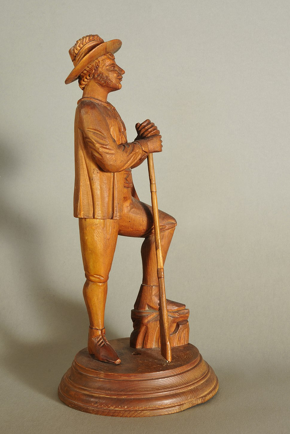 Woodcarved Hunter from Gröden side view