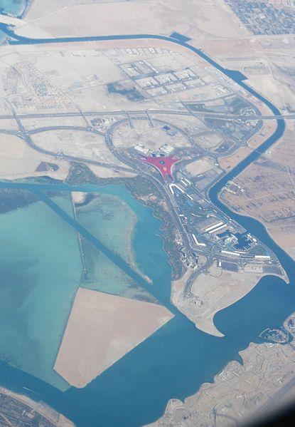 File:Yas Marina Circuit + Ferrari World -Abu Dhabi.jpg