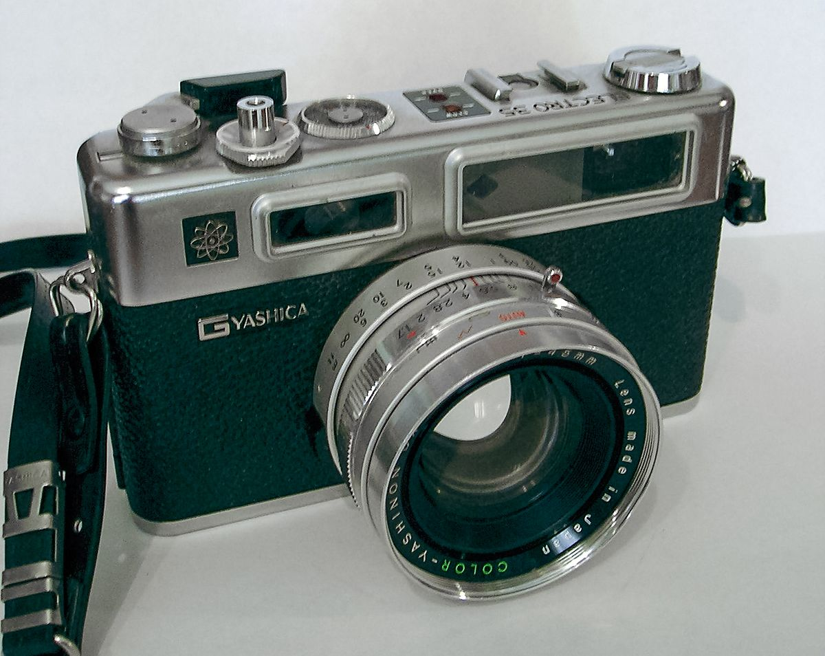 Yashica wikipedia for Camera camera