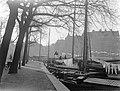 Zeilschepen aan de De Ruyterkade in Amsterdam, Bestanddeelnr 189-0065.jpg