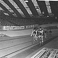 Zesdaagse wielrennen RAI Amsterdam, tweede dag. Het koppel Post (links) en Deloo, Bestanddeelnr 923-0699.jpg
