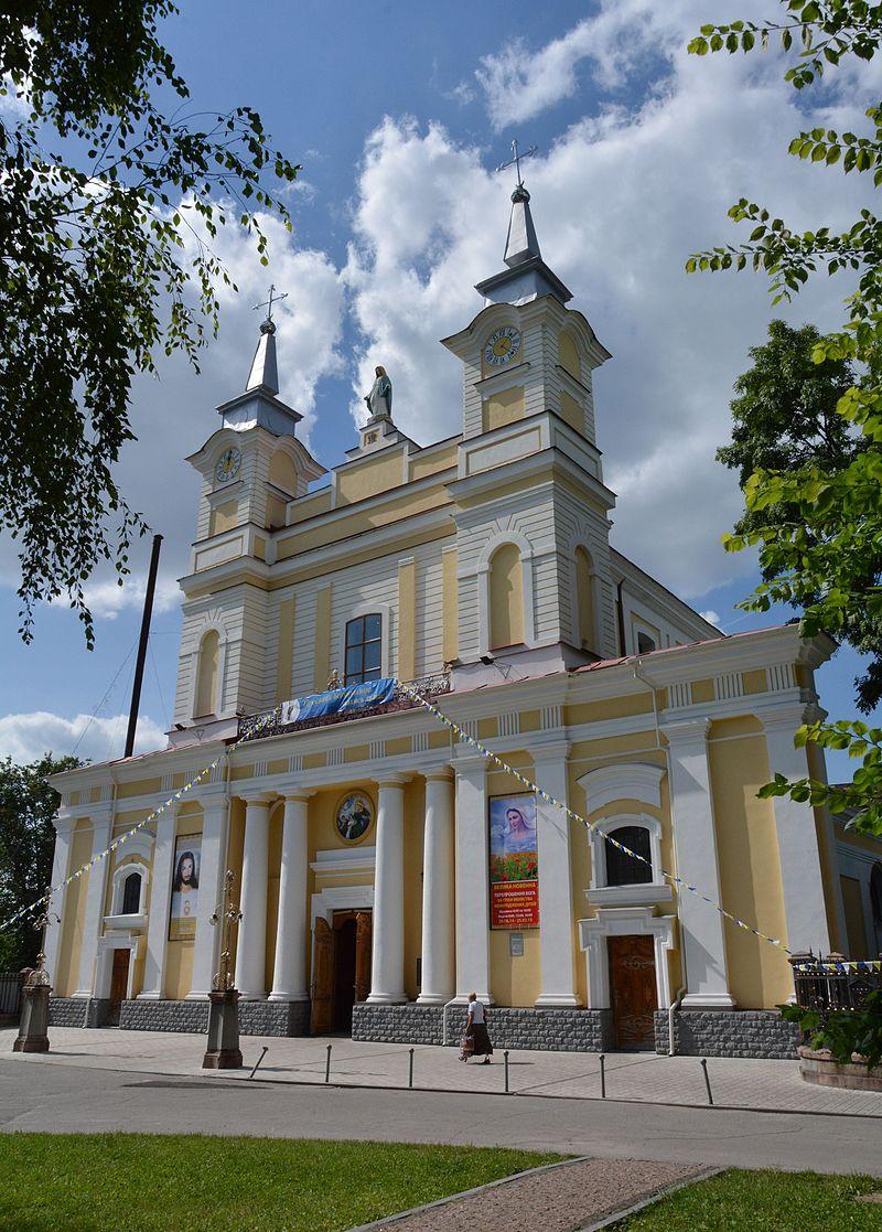 Zhytomyr Zamkoviy Maydan 2 Kafedral'niy Kostel Sv.Sofiyi ta Dzvinnytsya 01 (YDS 6379).JPG