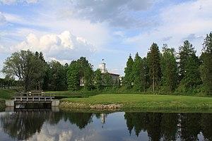 Tõrva - Image: Õhnejõe hoiuala Tõrvalinnavalitsuse juures mai 2014 255