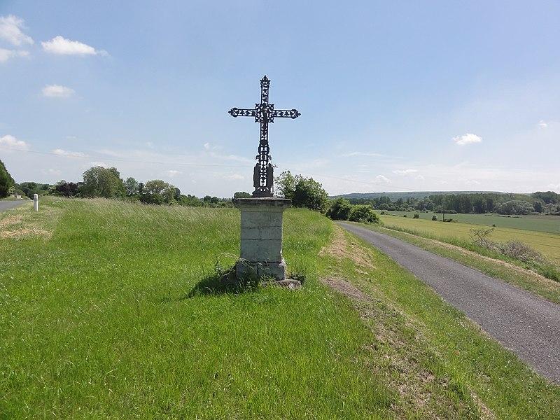 Œuilly (Aisne) Croix de chemin