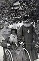 Митрополит Антоний и его келейник архимандрит Феодосий в монастыре Высокие Дечаны.jpg
