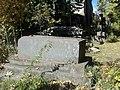 Վանական Համալիր Կեչառիս, գերեզմանոց (11).JPG