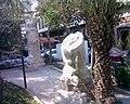أعمدة الشارع المستقيم في دمشق القديمة.jpg