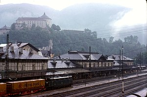 Kufstein railway station - The station in 1978 with the Kufstein Fortress in the background.