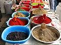 085 Marg'ilon Dehqon Bozori, mercat agrícola de Marguilan, espècies.jpg