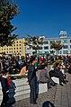 0907 - Nordkorea 2015 - Pjöngjang - Public Viewing am Bahnhofsplatz (22356140513).jpg