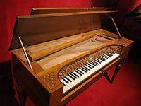129 Museu de la Música, piano.jpg