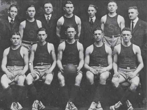 1917-18 Syracuse Orangemen basketball team. They were named NCAA national champions 1917-18 Syracuse Orangemen basketball team.tif