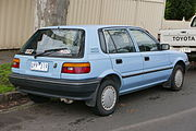 1989 Toyota Corolla (AE92) CS 5-door hatchback (2015-07-14) 02.jpg