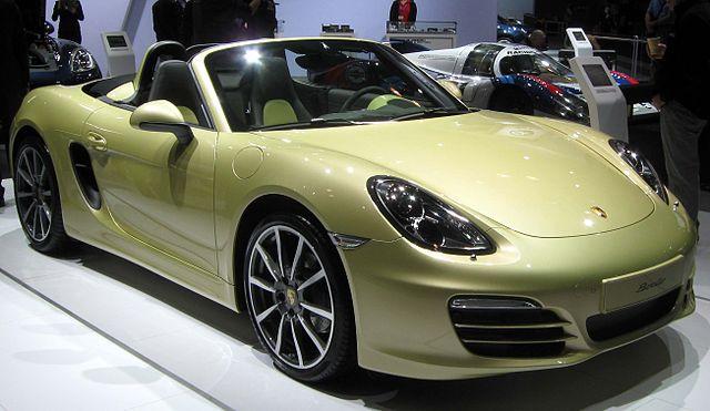 https://upload.wikimedia.org/wikipedia/commons/thumb/2/29/2013_Porsche_Boxster_--_2012_NYIAS.JPG/640px-2013_Porsche_Boxster_--_2012_NYIAS.JPG