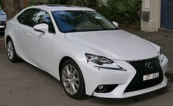 2015 Lexus IS 250 (GSE30R) Luxury sedan (2015-11-13) 01.jpg